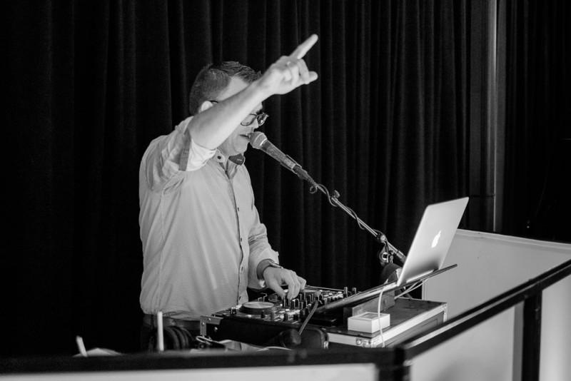 Amusivent - DJ, licht en geluid