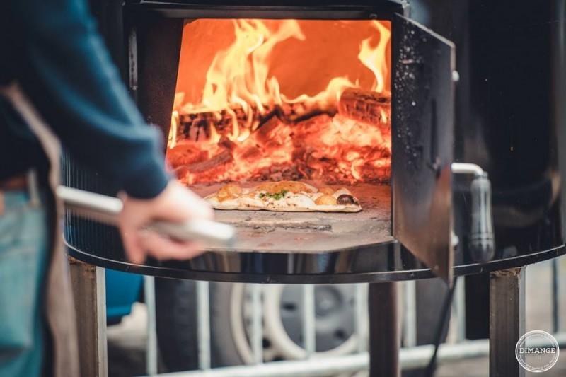 De trend voor elk communiefeest: een pizza foodtruck!