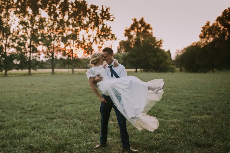 Romantisch, landelijk en met een vleugje boho: het trouwfeest van Lynn en Nico